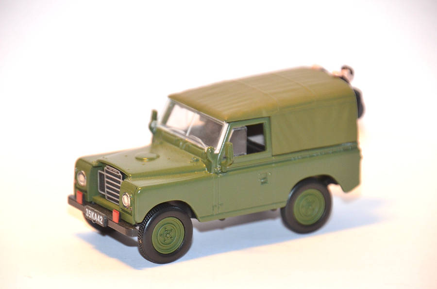 Land-Rover Serie 3 James Bond United Hobbies auf Der Land Rover Treff