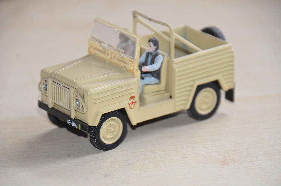 Nr. 93: Land Rover Defender 90 James Bond auf Der Land Rover Treff