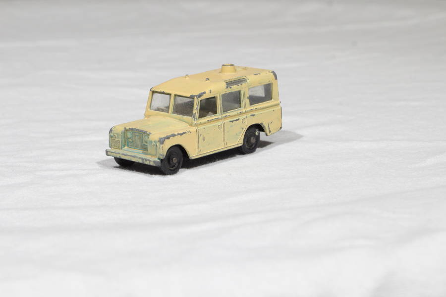 Model no. 281 Land-Rover Series 2 109 Safari - Der Land Rover Treff
