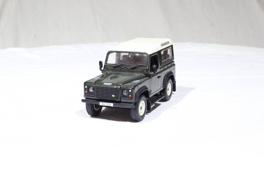 Model no. 284: Land Rover Defender 90 - Der Land Rover Treff