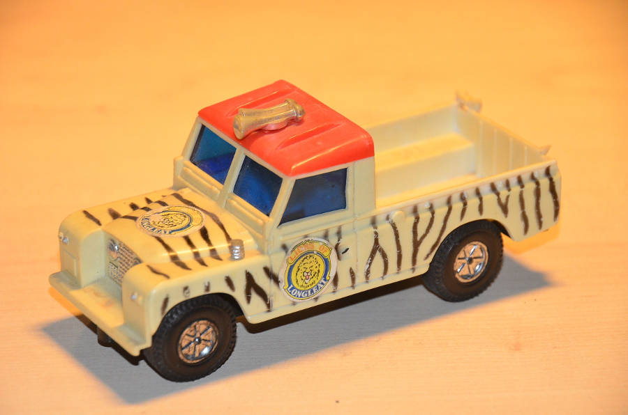 Model no. 290: Land-Rover series 2 109 - Der Land Rover Treff