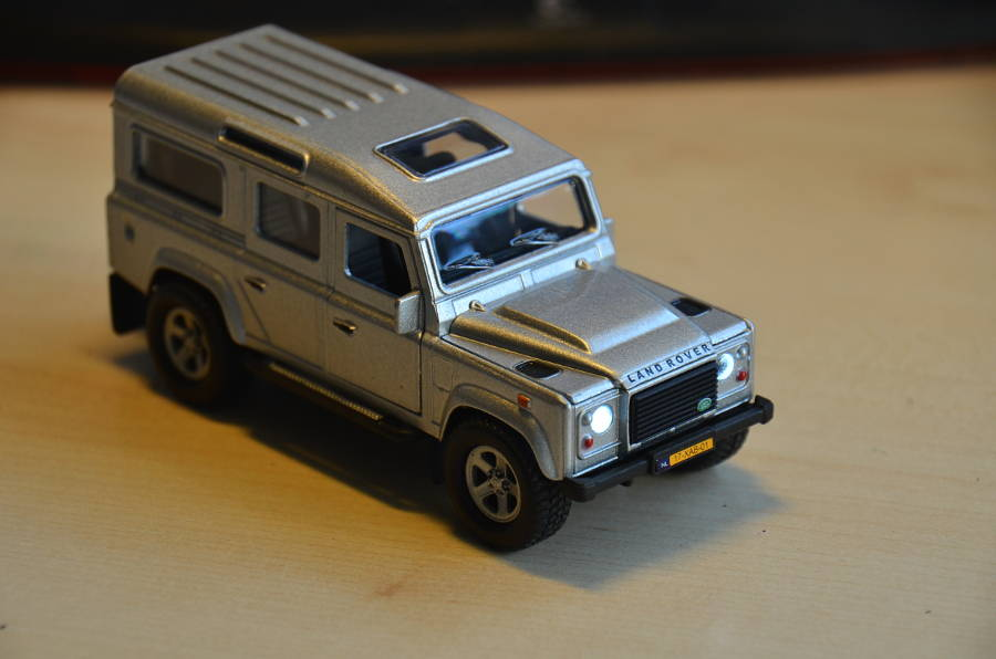 Model no. 300 Land Rover Defender 110 - Der Land Rover Treff