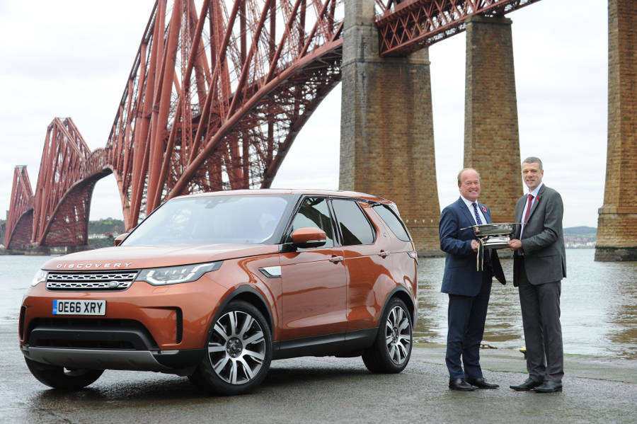 New Land Rover Discovery is Scottish Car of the Year 2017 - Der Land Rover Treff