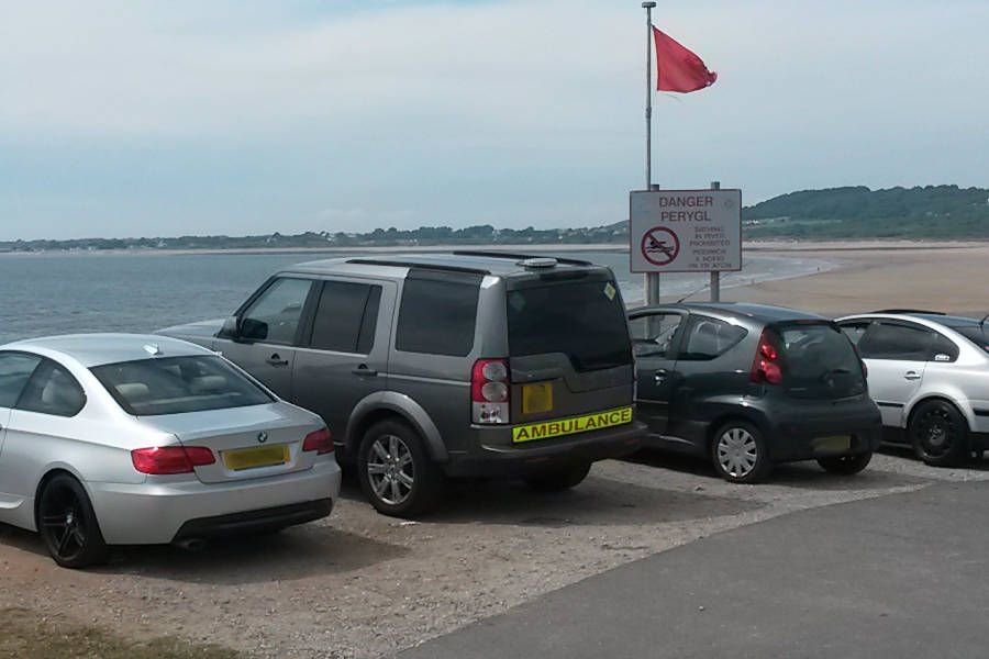 Land Rover Disocvery 3 gesehen in Oughmore by sea Wales auf Der Land Rover Treff